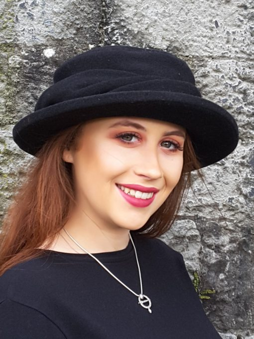 Dingle Linens caragh hat black