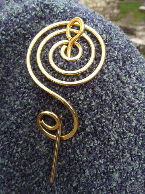 Dingle Linens celtic pin