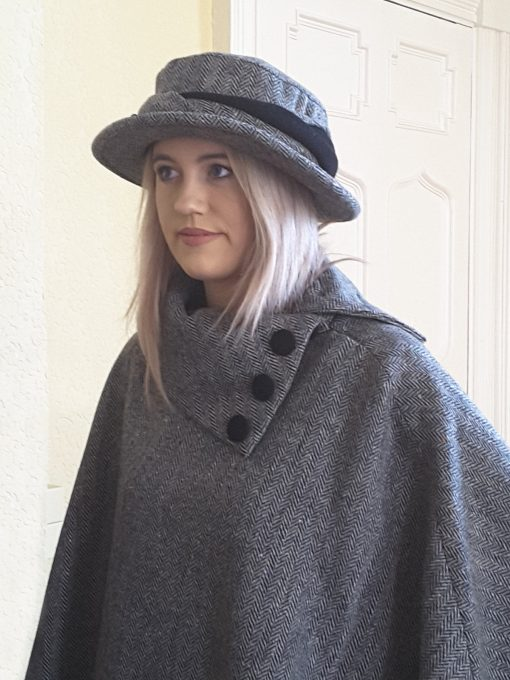 Dingle Linens emma poncho with caragh hat