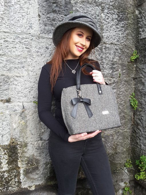 Dingle Linens niamh bag and caragh cap